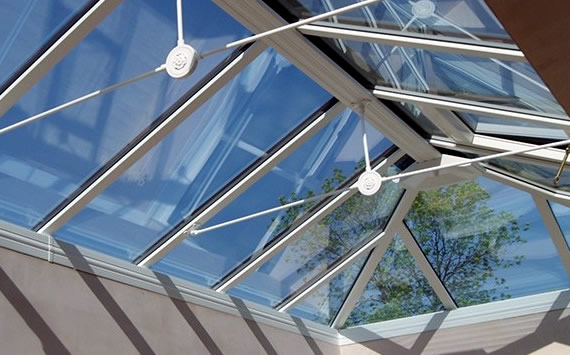 No streaks glass for conservatories