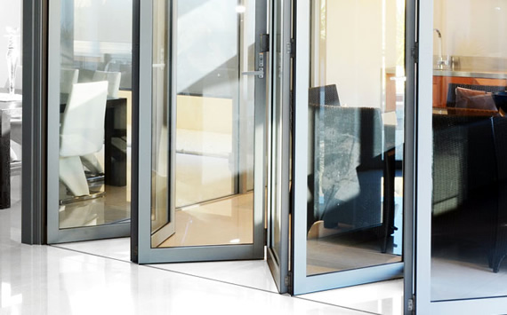 Tempered glass in bifolding doors